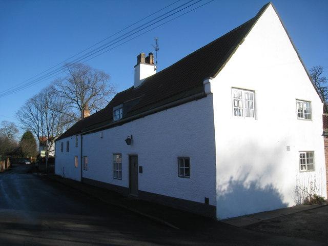 White cottage, Misson