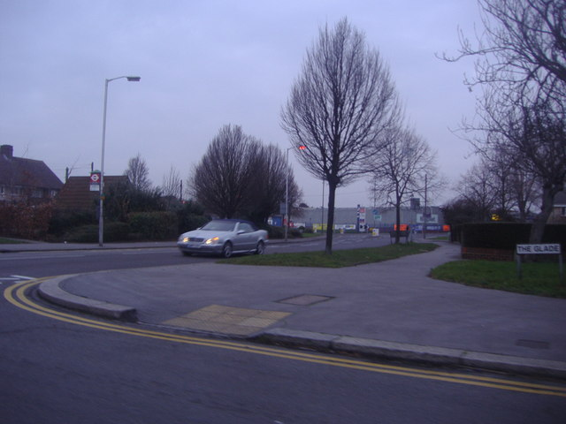 Corner of The Glade and Long Lane