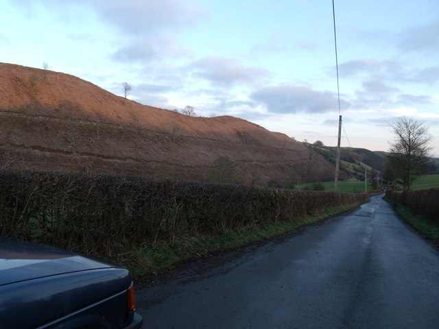 The road to Cefn Canol