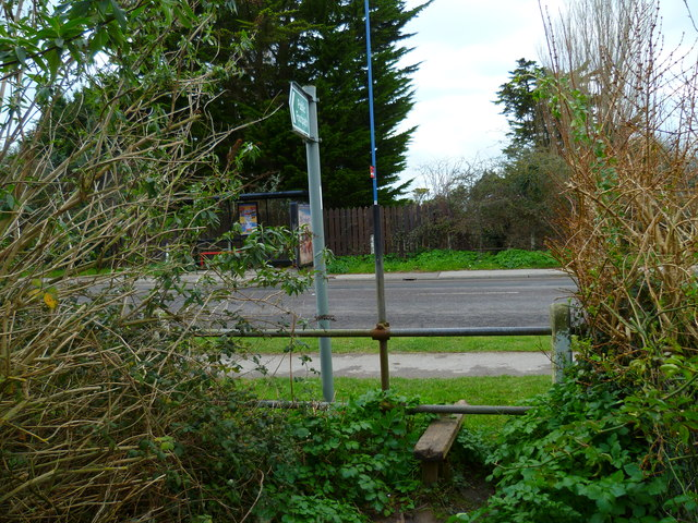 Junction of footpath with Chichester Road in Selsey