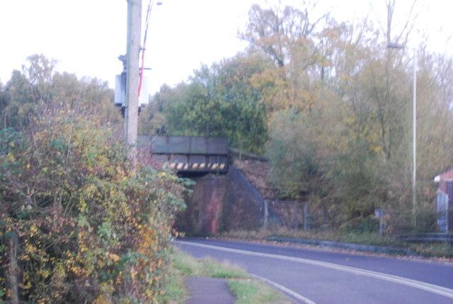 Railway bridge, Hollybush Rd