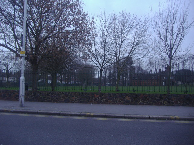 Ashburton Park from Lower Addiscombe Road