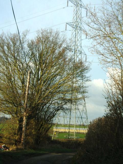Pylon seen from Brinkmarsh Lane