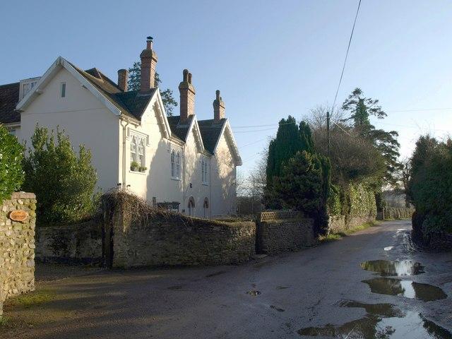 Lane past Buckerell House