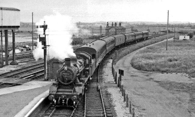 Pwllheli - Bangor train entering Afon Wen station