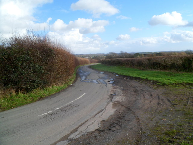 Road from the A48 east of Cowbridge to Llantrithyd
