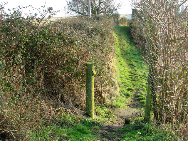 Footpath past Hollesley pumping station