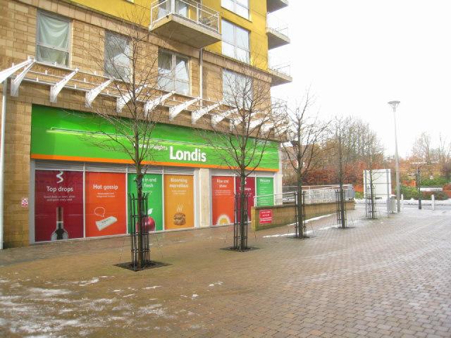 Londis opposite Basingstoke station