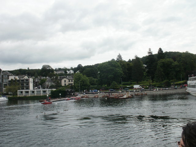 Looking back to the jetties, Bowness