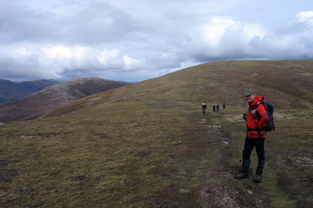 Ridge connecting A' Mharconaich with Beinn Udlamain