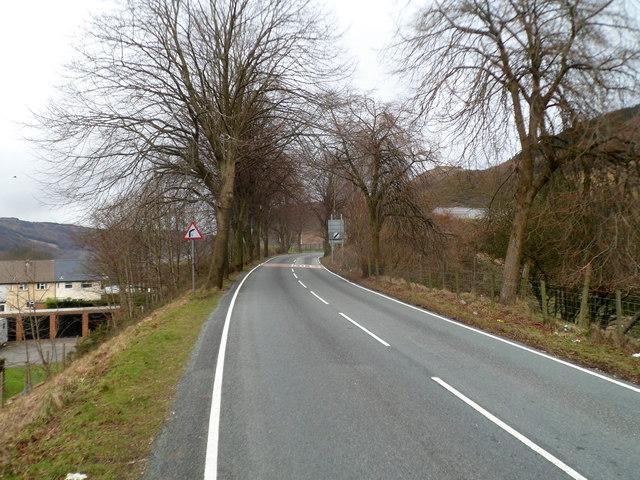 A4061 climbs out of Treherbert heading for Hirwaun