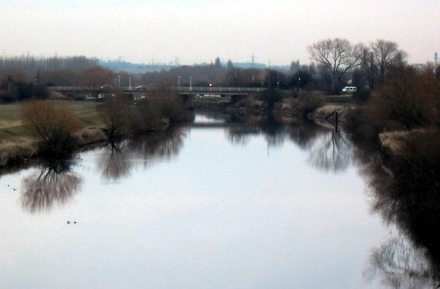 Looking downstream to Methley Bridge.