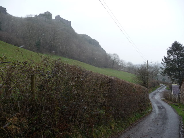 Lane below Carreg Cennen Castle in winter