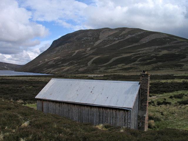 Bothy south of Loch Cuaich