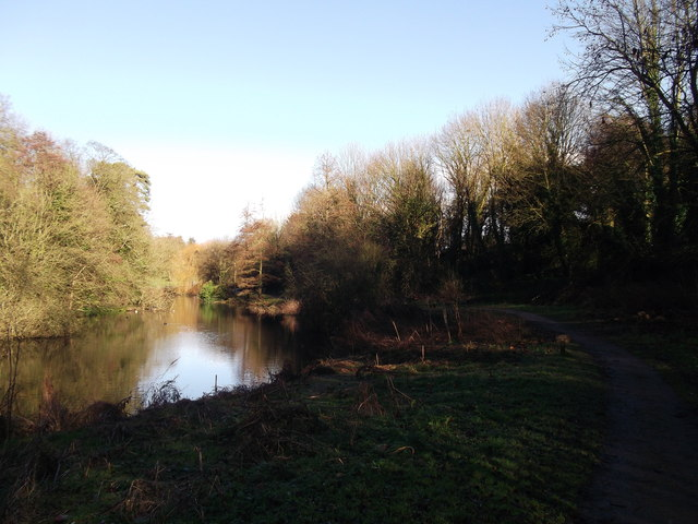 The lake, Manor Park Country Park