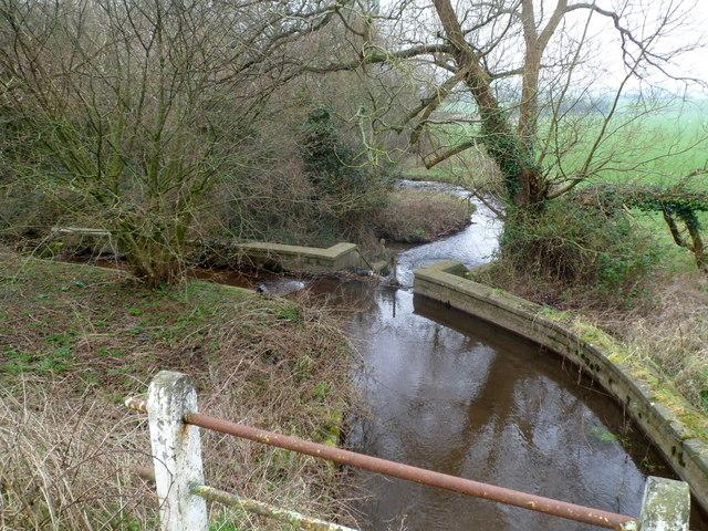Sluice in Mounton Brook, Pwllmeyric