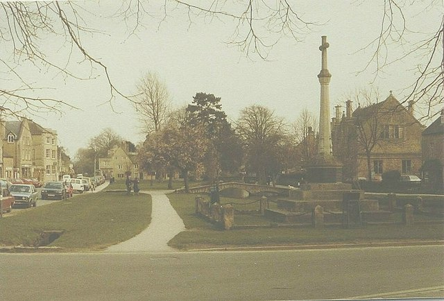 Bourton-on-The-Water in 1984