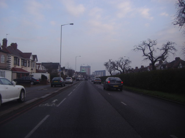 Woodford Avenue, Gants Hill