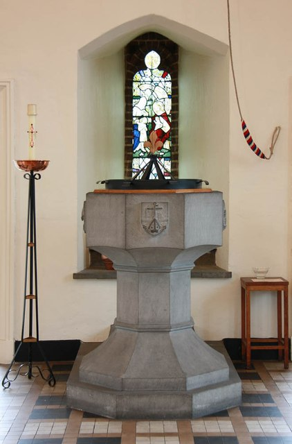 St Margaret of Antioch, Balfour Road, Ilford - Font