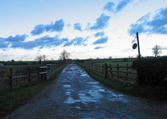 Entrance to Harborough Farm