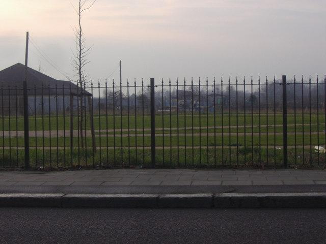 Seven Kings park from Barley Lane