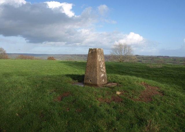 Trig point, Dumpdon Hill