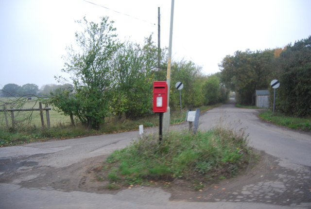 Postbox, end of Curtis Wood Rd