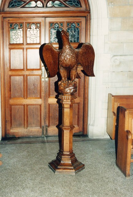 St Stephen, Park Avenue, Bush Hill Park - Lectern
