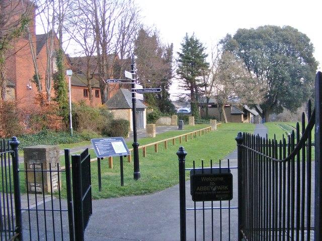 Abbey Park Gate