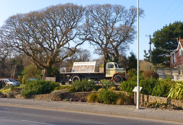 Vintage Lorry at New Milton Sand & Gravel