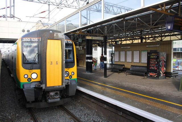 An emu in Platform 2, Milton Keynes Central station