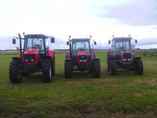 3 Massey Fergusons