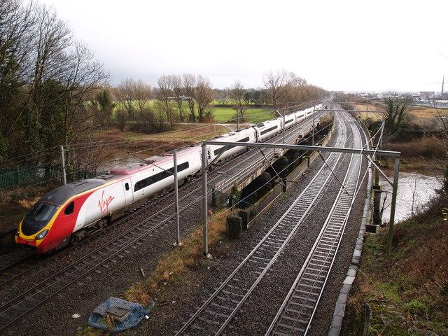 Virgin Train on Etterby Rail Bridge
