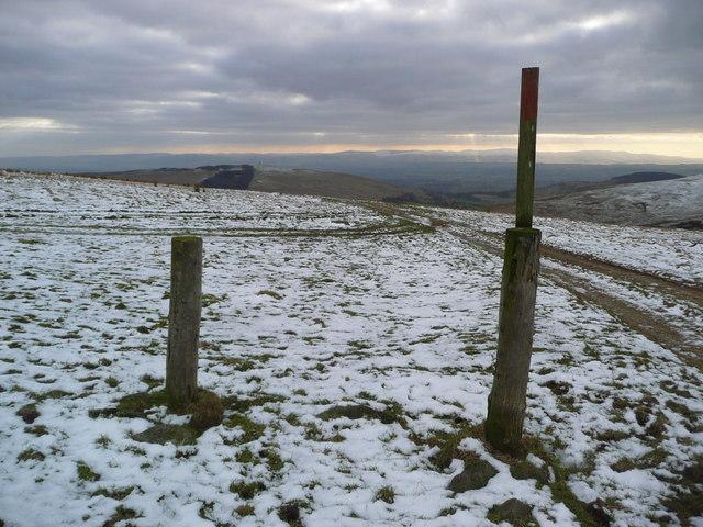 Hill track above Connachan