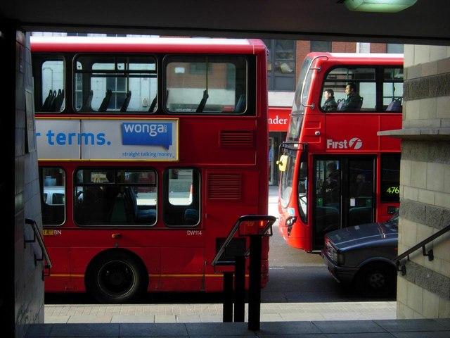 Buses on High Street, Islington