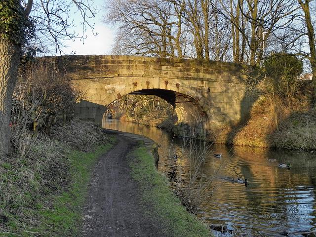 Leeds and Liverpool Canal, Moss Lane Bridge