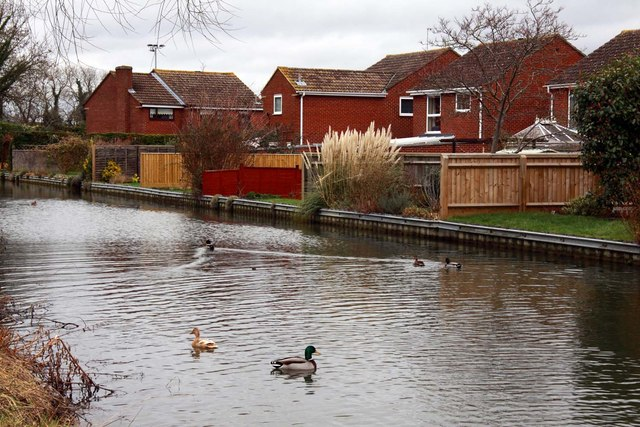 Houses by the Oxford Canal