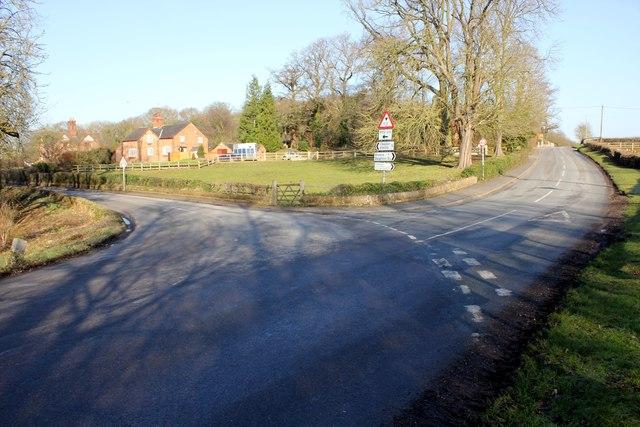 Road Junction next to Aldford Bridge
