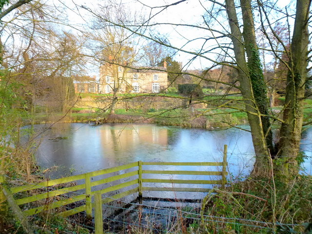 House and pond at Byford