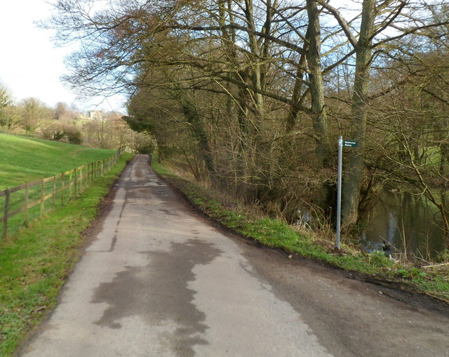 Slad: Steanbridge Lane passes a pond and a restricted byway