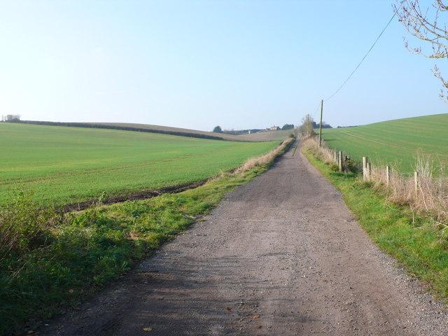 Track to Muddox Barrow Farm