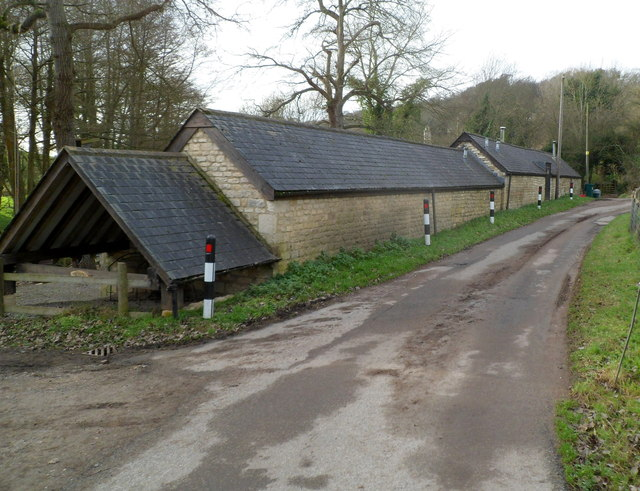 Long low building at the western edge of Steanbridge Court