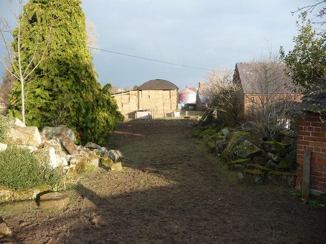 Trackway through Castle Farm, Myddle