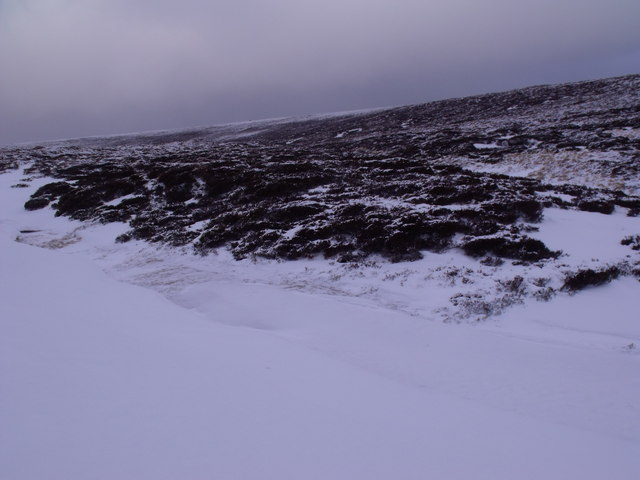 Short ridge between upper and lower branches of Caochan Odhar east of Bynack More