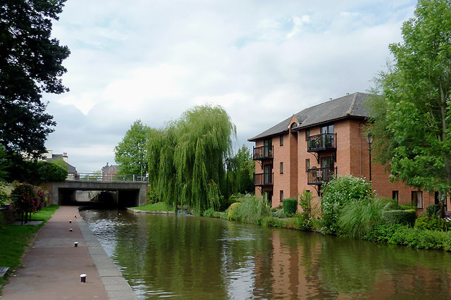 Canal and housing at Stone, Staffordshire