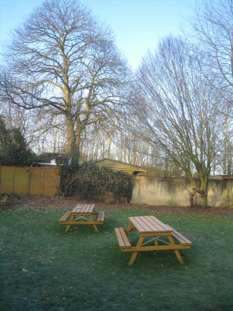 Barley Mow pub garden