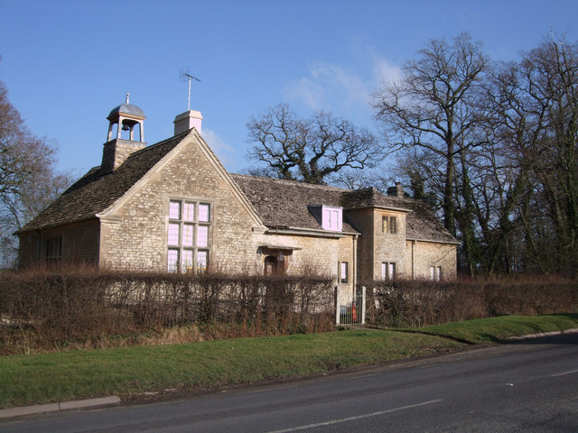 Bell House, Eaton Hastings