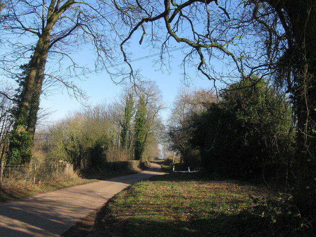 Country Lane approaching  Haddon Lane