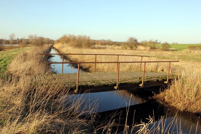 Footbridge over Aldford Brook