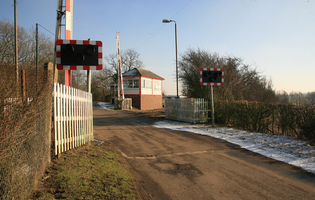 Whissendine signal box and crossing